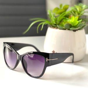 "NWT Black ""T"" Fashion Cat Eye Designer Sun…"
